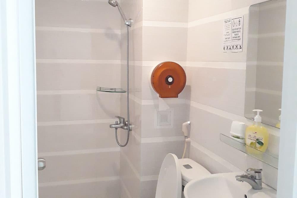 Yhteismajoitus, Vain naisille (Bed in 6-bed) - Kylpyhuone
