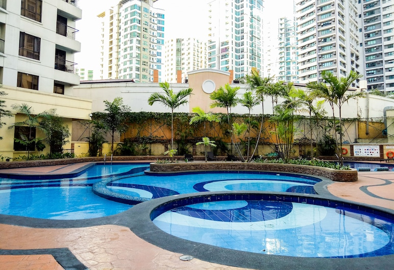 Forbestown Place at the Fort BGC n/ St. Luke's and Burgos Circle, Taguig