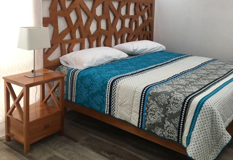 Suites, Puerto Ayora, Deluxe Apartment, Multiple Beds, Non Smoking, Courtyard View, Room