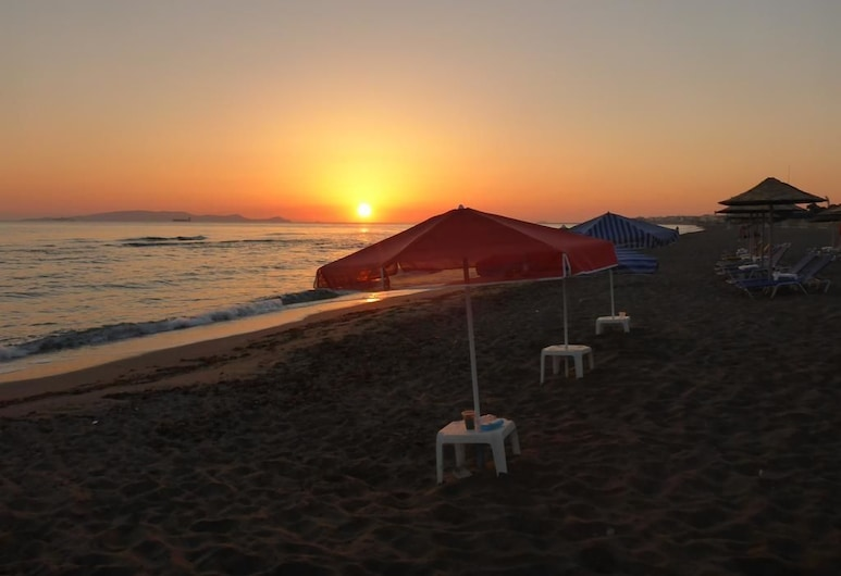 Sun Boutique Hotel - Adults Only, Μαλεβίζι, Παραλία
