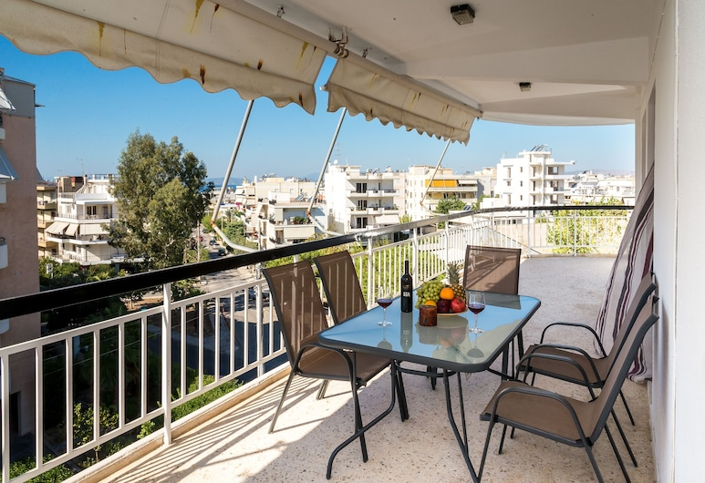 Taurus - Deluxe Apartment with Sea View, Glyfáda