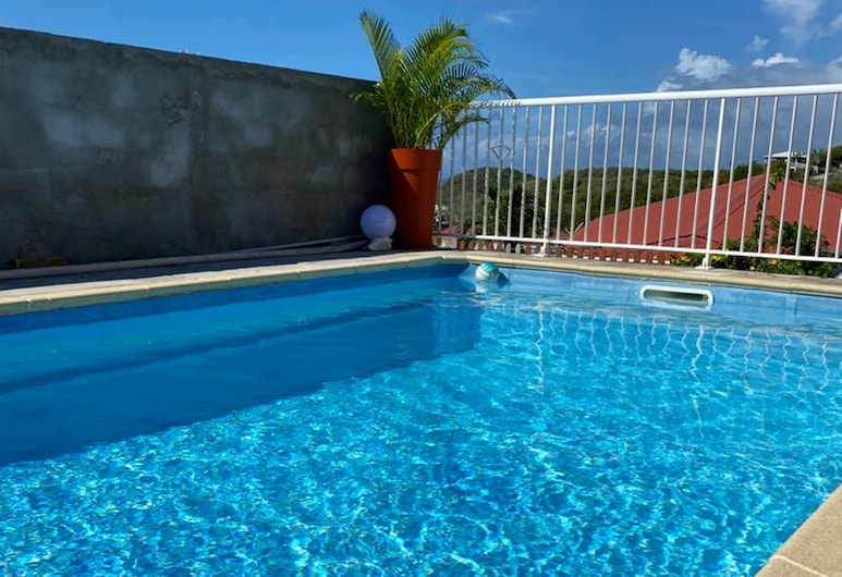Villa With 2 Bedrooms in Sainte-anne, With Wonderful sea View, Private Pool, Enclosed Garden - 5 km From the Beach, Sainte-Anne, Bazén