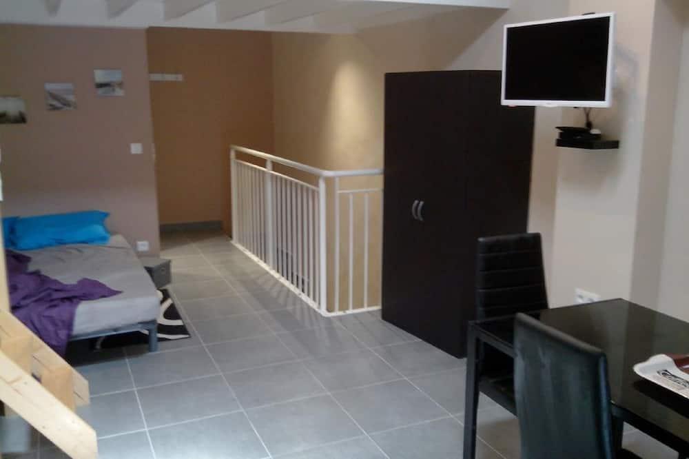 City appartement, en-suite badkamer, Uitzicht op de stad (Arg 2eme étage) - Kamer