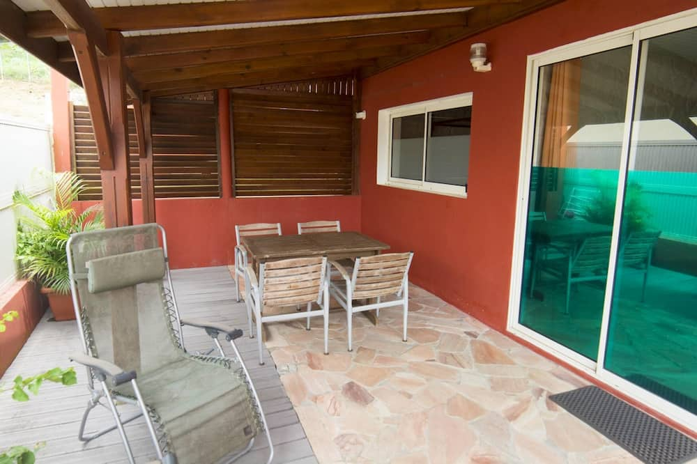 Apartment With one Bedroom in Fort-de-france, With Furnished Terrace and Wifi - 4 km From the Beach
