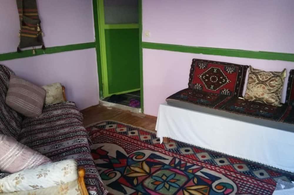 Elite Studio Suite, Mountain View - Living Room