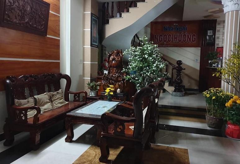Nha Nghi Ngoc Huong, เกิ่นเทอ, บริเวณนั่งเล่นที่ล็อบบี้