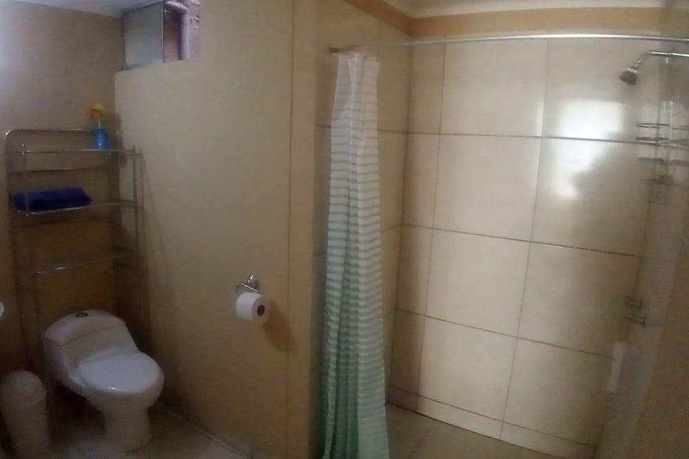 Standard Shared Room, 4 beds  Shared Bathroom   - Bathroom Shower