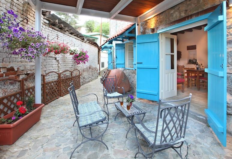 Kalopanayiotis 1-bedroom Cottage, Калопанайотис, Терраса/ патио