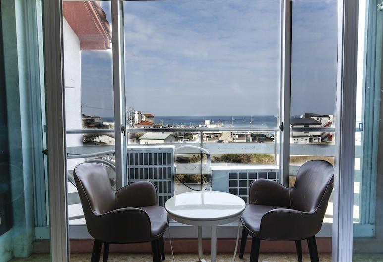 海洋家庭酒店, Jeju City, 三人房, 非吸煙房, 露台