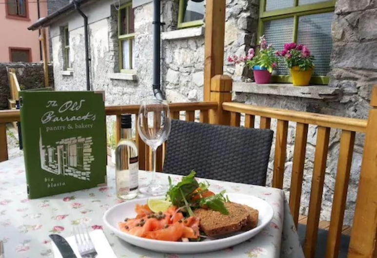 Lodge at The Old Barracks, Athenry, Terrasse/Patio