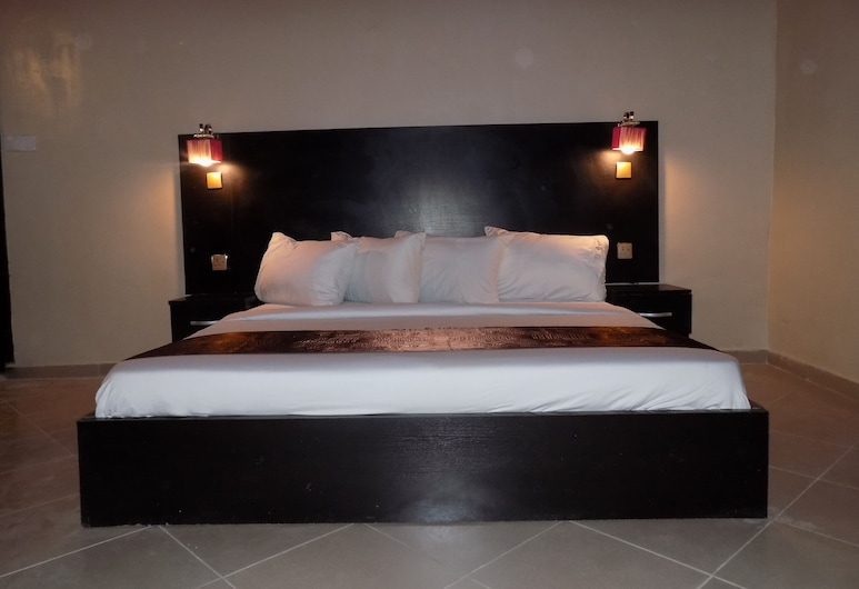 Posh Apartments Bussiness Hotel, Lagos, Superior Room, 1 King Bed, Guest Room