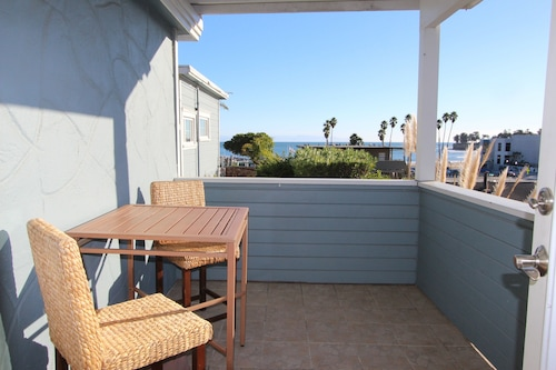 水緣海灘旅館及套房飯店/