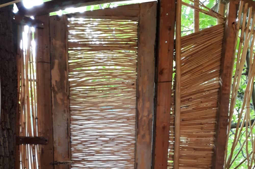 Tree House - Bathroom