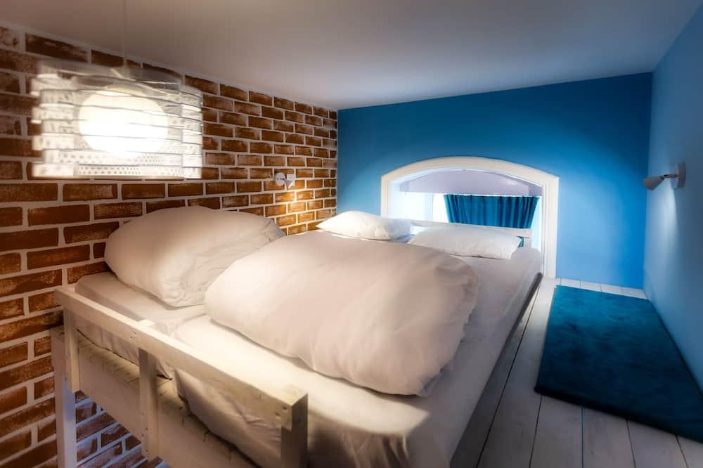Standartinio tipo kambarys (1 dvigulė / 2 viengulės lovos) - Svetainė