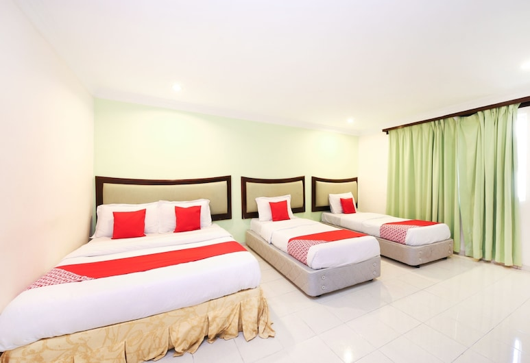 OYO 775 Hotel Sahara Inn, Tanjung Malim, Family Suite, Multiple Beds, Non Smoking, Guest Room