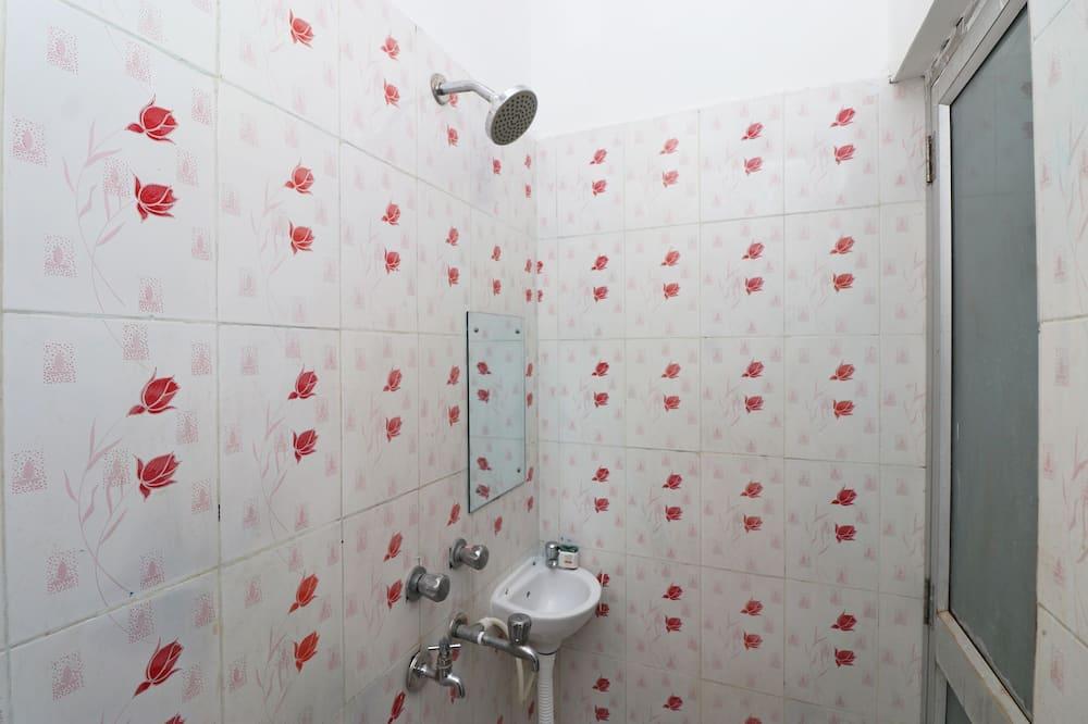 Deluxe Double or Twin Room, 1 Queen Bed - Bathroom