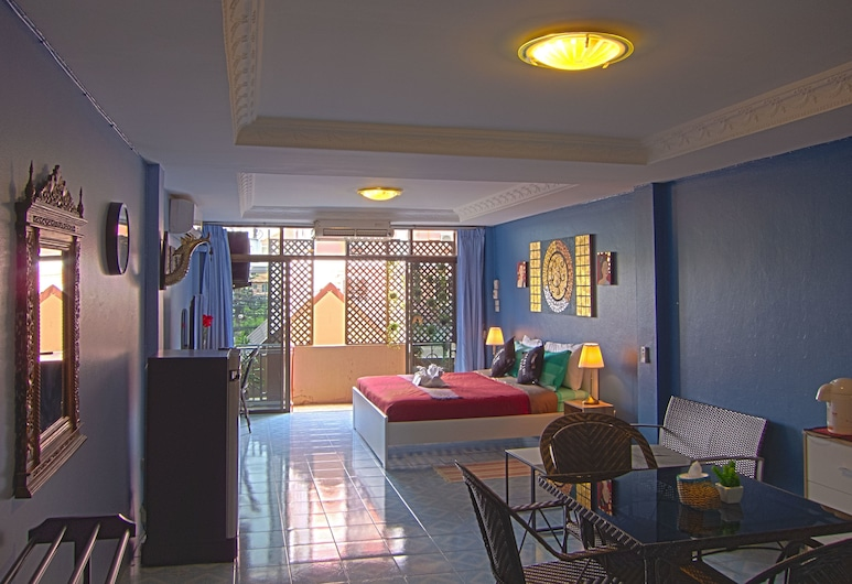 Pagoda 17th on 3rd, Pattaya, Superior Room, 1 King Bed, Non Smoking, City View, Guest Room