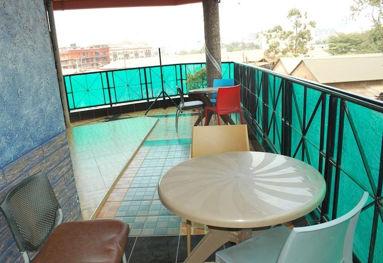 Neptune Plaza Hotel, Kampala, Terasa