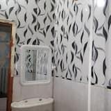 Basic Single Room, 1 Twin Bed, Non Smoking - Bathroom