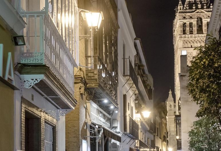 Come to Sevilla. Casa Placentines, Sevilla, Otelin ön cephesi