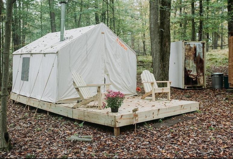Tentrr - Back 2 Nature Camp, Beach Lake