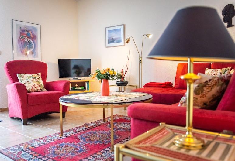 Ferienwohnung Schloss Schönberg, Bad Brambach, Apartment (2), Living Area