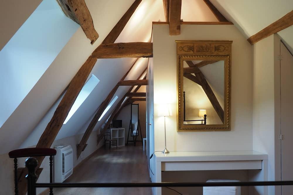 Suite (Four à Pain) - Living Area