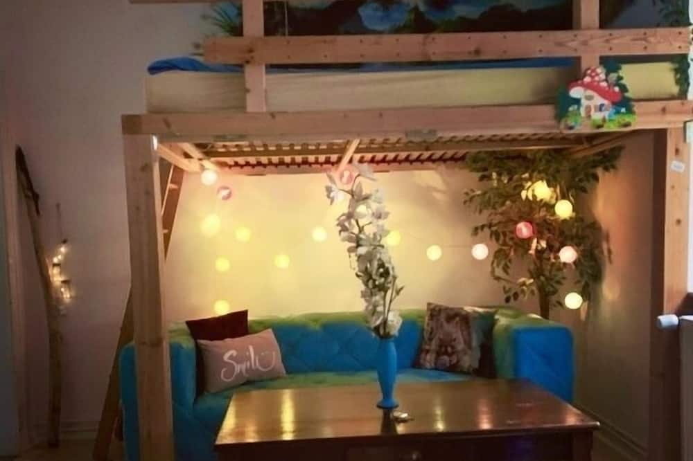 Double Room (Indian Summer) - Living Area