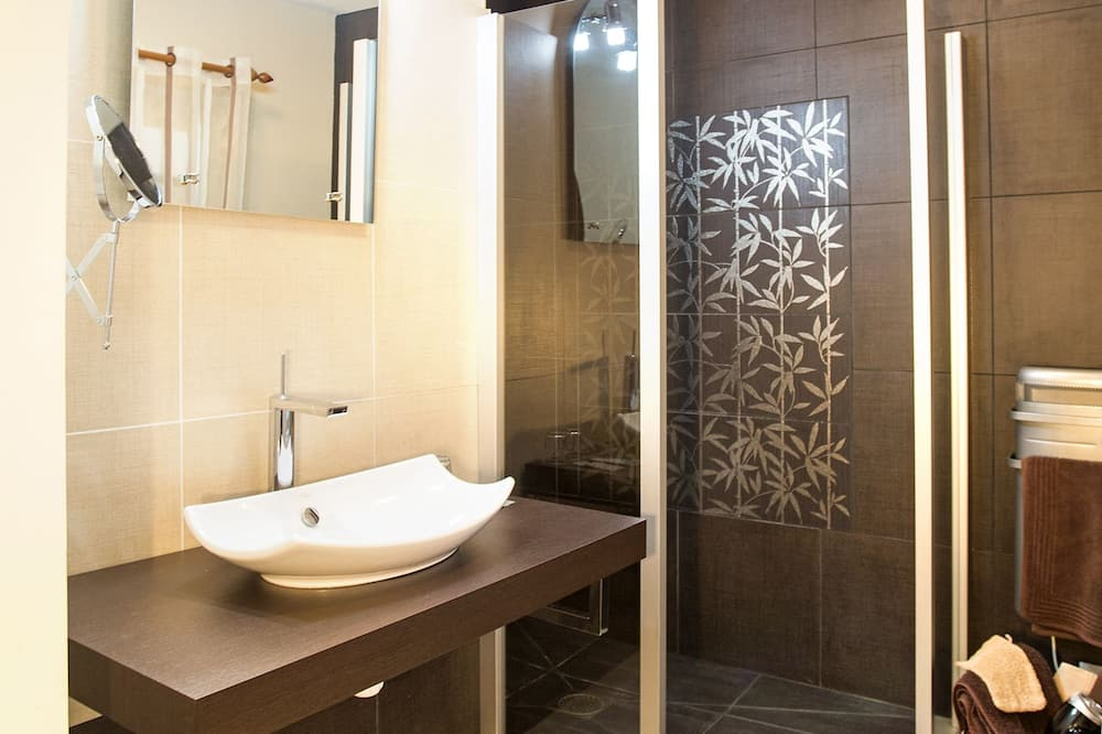 Superior Double Room, 1 Queen Bed (La Croix Mont) - Bathroom