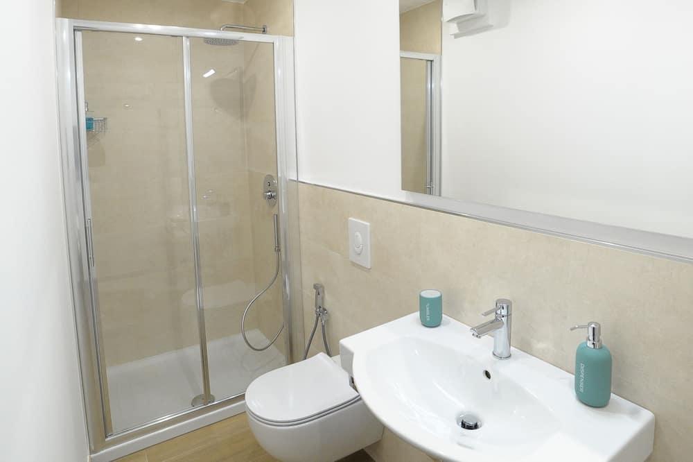 ห้องคอมฟอร์ทดับเบิลหรือทวิน - ห้องน้ำ