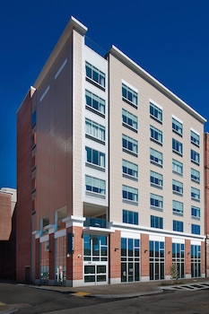 Picture of Fairfield Inn & Suites by Marriott Pittsburgh Downtown in Pittsburgh