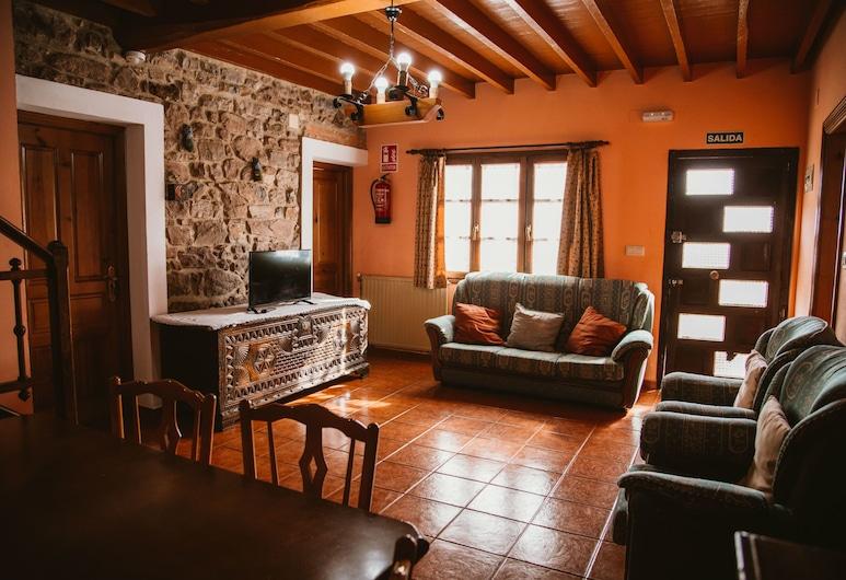 Casa Carquera, in the Heart of Asturias, Nava, Kućica, 4 spavaće sobe, Dnevna soba