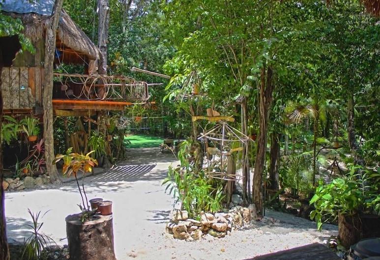 Kiool Eco Hotel & Cenote, פוארטו מורלוס, בית על עץ פנורמי, מיטה זוגית, ללא עישון, שטחי הנכס