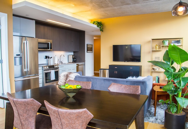 """Coral Homes - Designer Penthouse in Old City - """"Status"""" Suite, פילדלפיה"""