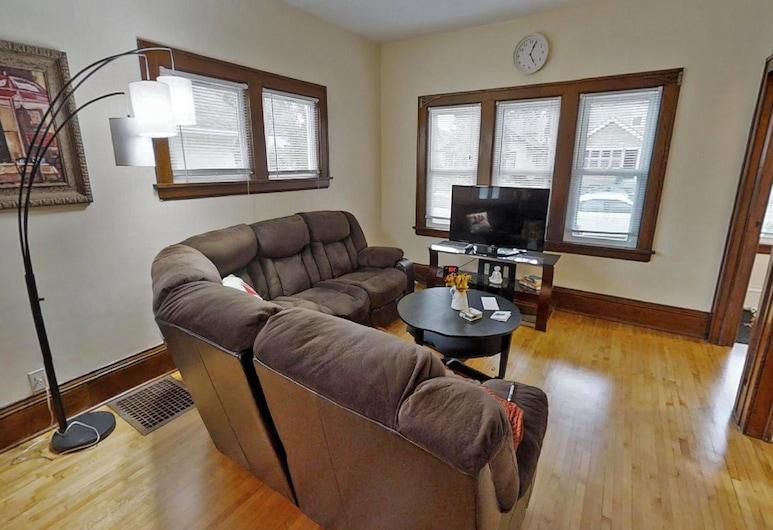 Marigold, Minneapolis, Exclusive House, 2 Bedrooms, Non Smoking, Living Room