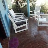 Comfort-Dreibettzimmer, Mehrere Betten, barrierefrei (#2) - Blick auf den Garten