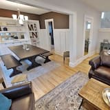 House, 4 Bedrooms, Non Smoking - Living Area