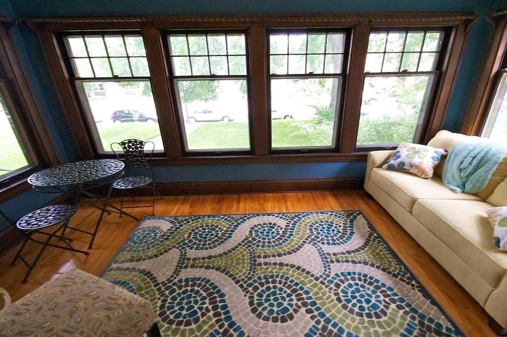 Māja, vairākas gultas (Uptown Urban Living) - Dzīvojamā istaba