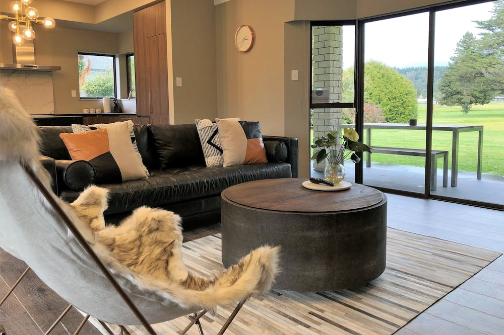 Luxury House, 5 Bedrooms, Golf View - Living Room