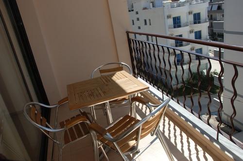尼克斯公寓飯店/