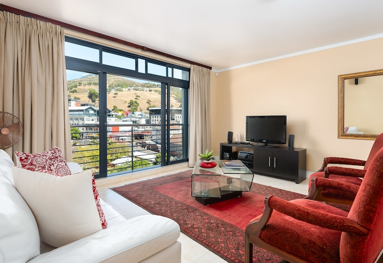 Quayside 708 - Adults Only, Cape Town, Comfort Room, 1 King Bed, Non Smoking, City View, Living Area