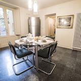 דירה, 2 חדרי רחצה, נוף לגן - אזור אוכל בחדר