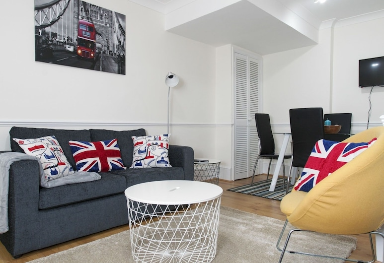 Victoria Magical Atmosphere with Patios, London, Apartment, 2 Schlafzimmer, Wohnbereich