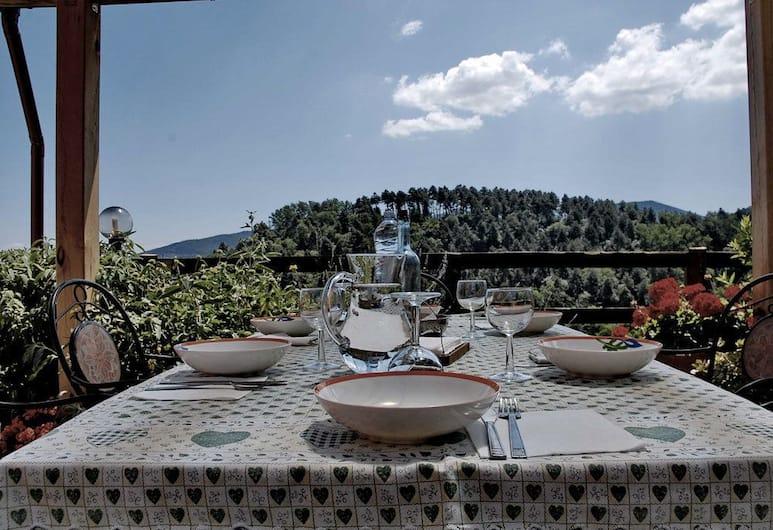 Ospitalità Rurale l'Uccelliera, Lucca, Ristorazione all'aperto