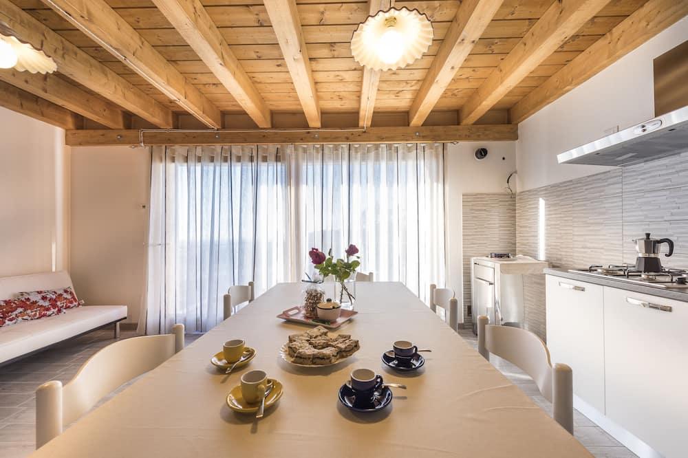 منزل بانوراما - غرفتا نوم - بحمامين - بمنظر للنهر - منطقة المعيشة
