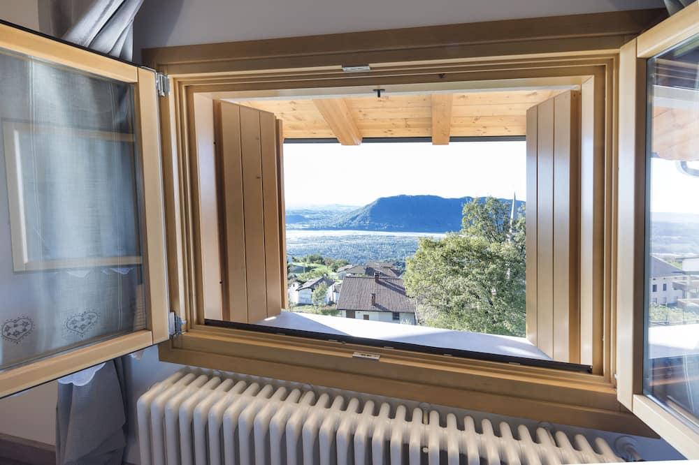 منزل بانوراما - غرفتا نوم - بحمامين - بمنظر للنهر - منظر من الشرفة