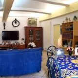 Triple Room (Cézanne) - Living Area