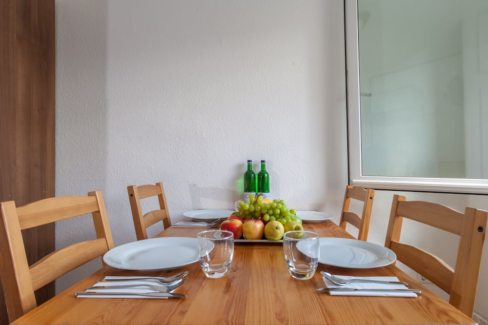 Business Apartment 2 - In-Room Dining