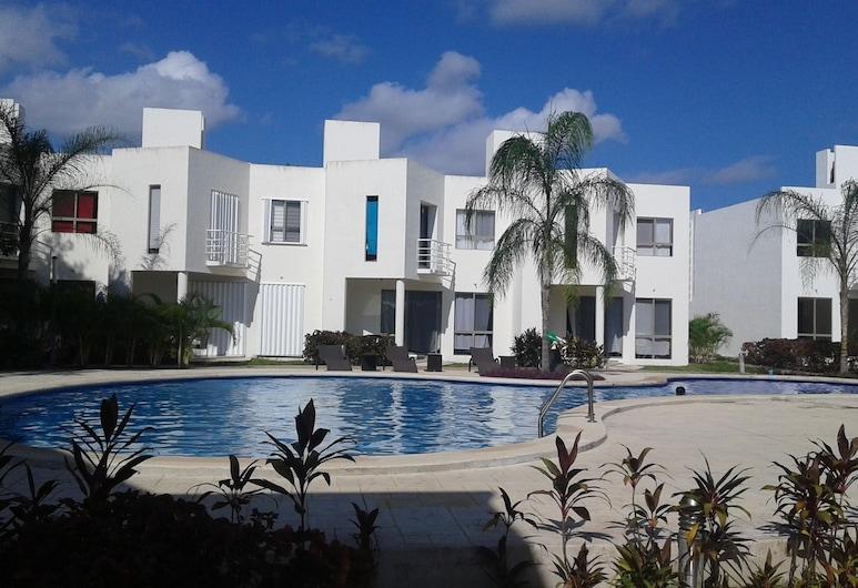 Villa Ocean by Akua, Playa del Carmen, Pool