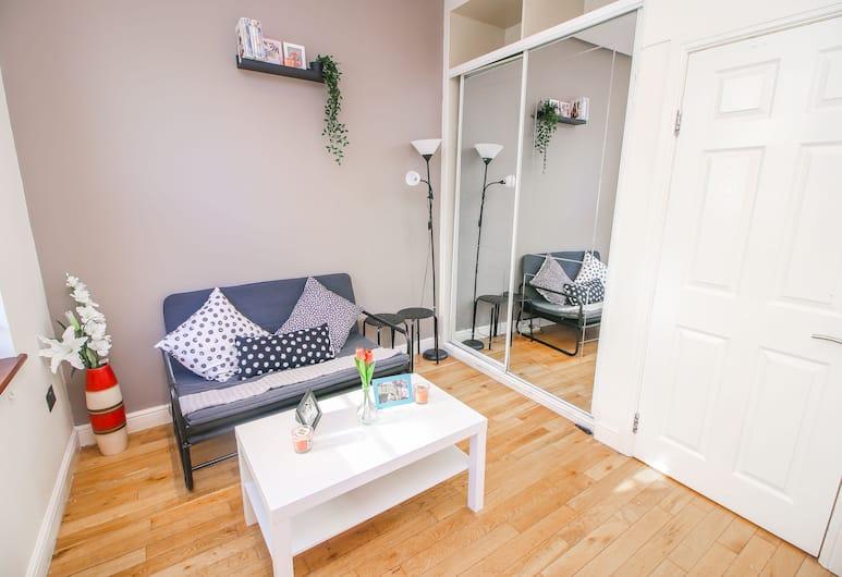 Studio Flat near Liverpool st , Londen, Appartement, 1 tweepersoonsbed met slaapbank, Woonruimte
